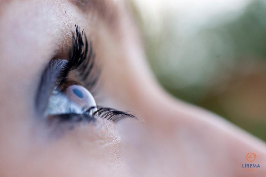 moters akis