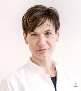Akių ligų gydytoja – mikrochirurgė Lina Socevičienė, atliekanti akių operacijas Vilniaus Liremos akių klinikoje